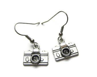 Camera Earrings, Camera Charm Earrings, Photographer Earrings, Earrings For Photographer, Camera Jewelry, Photographer Gift