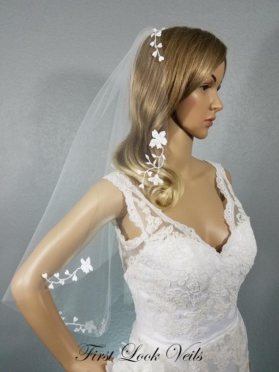 Lace Wedding Veil, White Bridal Veil, Hip Veil, Bridal Veil, Floral Veil, Wedding Vail, Bridal Viel, Bridal Attire, Bridal Accessory, Gift