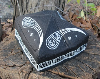 Square Folding Paisley Hat Black and White
