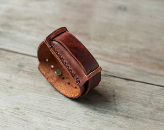 Handmade leather Fitbit One bracelet, simple fitbit one band, handcrafted fitbit one band bracelet, fitbit one