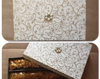White & Silver gift box embellished with a pearl center-piece