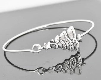 Christmas Tree Bangle, Sterling Silver Bangle, Christmas Tree Bracelet, Stackable Bangle, Christmas Bangle, Christmas jewelry, Christmas