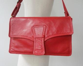 Red 60s Vintage Vegan Shoulder Bag // Boxca // Made In Denmark