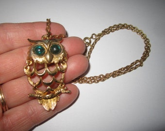 Vintage 1970s Fun Goldtone Segmented Owl Pendant Necklace with Green Glass Eyes