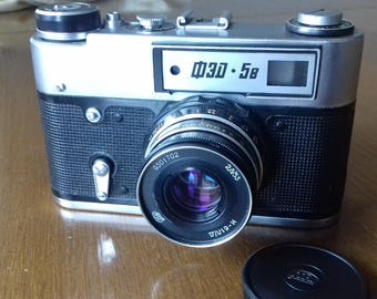 Vintage Rangefinder  Camera FED-5B with Industar-61L/D lens in original leather case