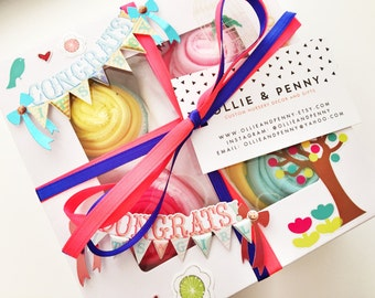 8 Washcloth Cupcake Baby Gift Set // Shower gift, Baby Gift Set, Baby Gift, Baby Shower Decorations, Baby girl