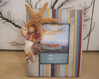Beach Decor Seashell Picture Frame -   Turbo Shell & Starfish Frame - Wooden Shell Picture Frame - Beach Wedding