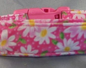 Little Daisy Flowers on Hot Pink Dog Collar