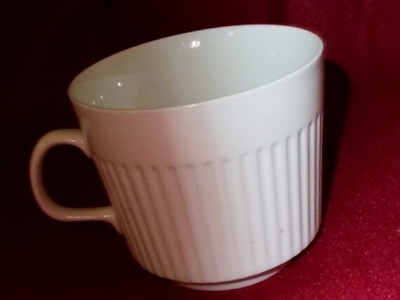 & Johnson Brothers Athena Coffee Cups English Ironstone Snow