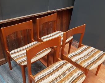 Set Of Mid Century 1970s Dining Chairs
