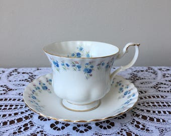 Royal Albert Memory Lane English bone china teacup and saucer