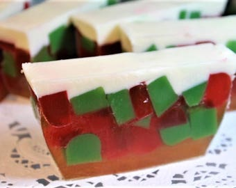 Christmas Fruit Cake Soap Bar, Christmas Soap Loaf Slice, Cream Cheese Frosting Fragrance, Holiday Fruitcake Soap Bar, Christmas Favor Soap