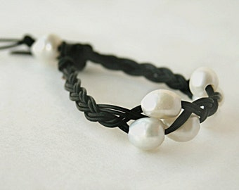 Leather and pearl bracelet -  white pearl bracelet - casual pearl jewelry