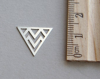 Triangle Charm, Silver Triangle Charm, 925 Sterling Silver Charm, Sterling Silver Triangle Charm, Silver Geometric Charm, 14mm ( 1 piece )