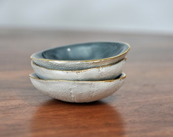 Sea Urchin Ceramic Bowl - Gray Gold Ring Dish, Salt Dish, pinch bowl, Small Ceramic Bowl, Gift for her, Foodie Gift, Mom Gift