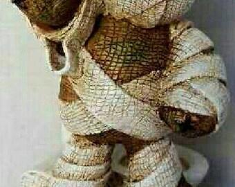PinHead Monsters Mummy Poo