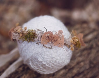 Newborn Halo, Baby Girl Halo, Girl Photo Prop, Organic, Photo Prop, Dried Flowers, Natural, Delicate, Rustic