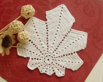 Crochet leaf doily Small white doily Handmade doily Cotton lace doilie Small crochet doilies Crochet leaves 386