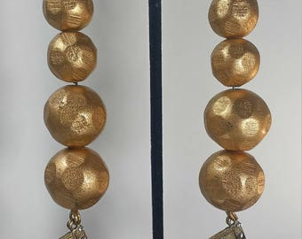 Gold balls with cassette