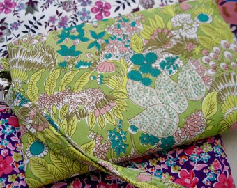 Wedding Clutch wristlet, 2 pockets,medium,lime green floral, bridesmaid gift, cotton - wonder forest