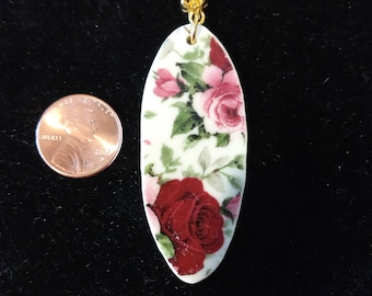 Oval floral pendant