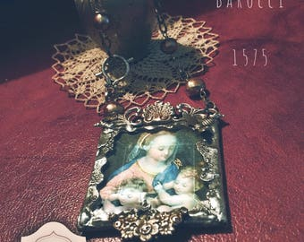 Madonna (Federico Barocci 1575)... Pendant welded in silver alloy with natural pearls. soldered jewelry, soldered necklace, Underglass.