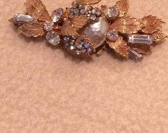 Miriam Haskell vintage signed faux pearl gold tone brooch