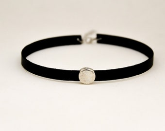Black choker necklace for women, silver round bead, charm choker necklace, Faux vegan leather necklace, 90s choker necklace, gift for her
