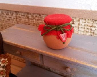 Jar of Strawberry Jam scale 1/12