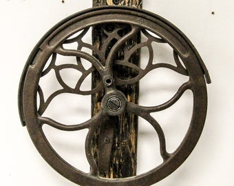 THE FREE WHEELER - Industrial Wall Sculpture, Wall Decor, Cast Iron Wheel