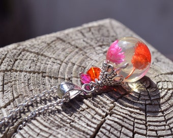 Pendant necklace resin sphere resin and real dried flowers, resin sphere, terrarium jewelry, bubble of resin