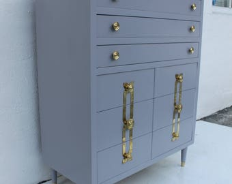 John Stuart Lacquered Chest With Six Drawers And Accent Brass.
