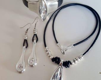 Swarovski crystal  Set, Necklace, Bracelet, Earrings Swarovski crystal necklace, Bracelet drop Earrings, Jewelry Set, Zamak, Silver