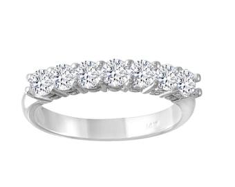 Women's Diamond Engagement Ring