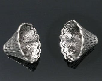 10 bead caps in antique silver 12 x 9 mm