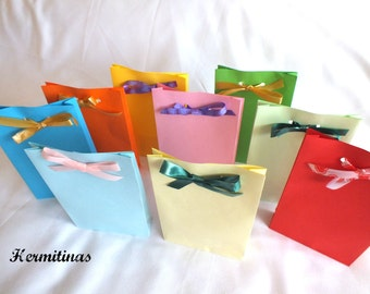 Stand up color paper bags Party favor bags Gift bags Christmas party treat bags Birthday party favors Color paper bags, Wedding Favor Bag