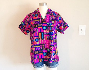 Vintage Bright and Colorful Ladies Hawaiian Shirt 1960s 1970s Size Small Tiki Time!