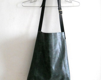 leather tote ,adjustable long  strap  - Grainy green