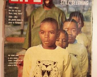 Vintage LIFE Magazine July 15, 1966 Watts Still Seething