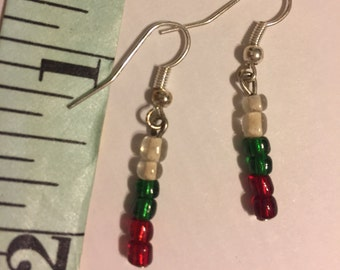 Small glass bead earrings....free shipping