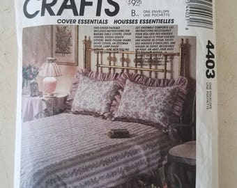 Craft Pattern McCall's 4403 Home Center, Duvet Cover, Chair Cover, Lampshade, Pillow, Table Cover, Seat Cushion, Studio Couch &Bolster UNCUT