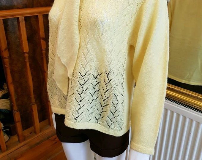 Pretty Primrose Yellow Light Knit Vintage 70s Jumper Sweater Tie Neck M L