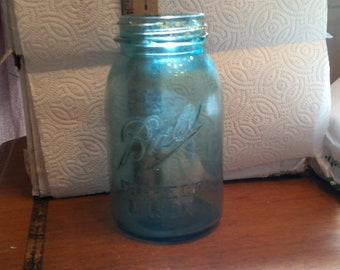 rustiic antique blue ball mason jar E112