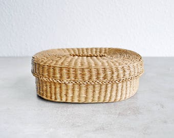 Lidded Bear Grass / Sweet Grass Basket / Cottage / Country / Farmhouse / Eclectic / Boho Decor / Storage