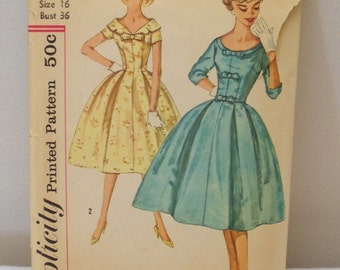 Vintage 2763 Simplicity Sewing Pattern Dress Size 16