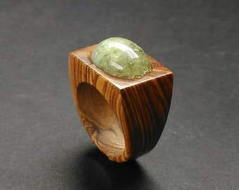 Wood ring //wood Ring for women //wooden Ring //wood jewelry ring // Olive wood ring with an fluorite cabochon - Size 17.3 mm (USA 7)