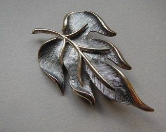Hollywood Brooch, Leaf Brooch, Textured Silver, Silver Tone Brooch, Vintage Hollywood, Gifts for Her, Mothers Day