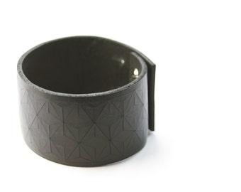 Leather bracelet, small in black