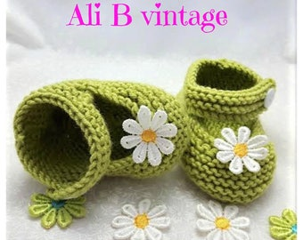 Baby girl shoes Baby knitted shoes Mary Jane style baby girl shoe  Babies Knitted Shoe baby gift Apple green lace white flower baby shower