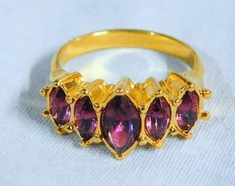 Avon Vintage Ring MARQUIS SPARKLE ~ (Size: 6), 1994   (e)